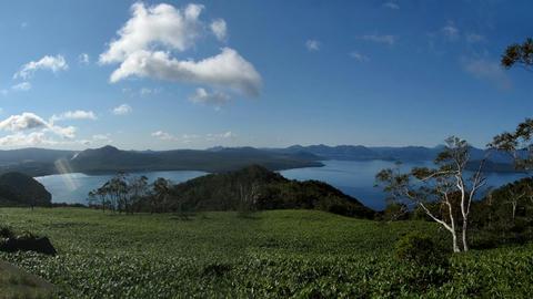 藻琴山展望駐車公園から屈斜路湖パノラマ画像