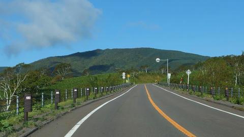 道道102号網走川湯線から藻琴山を望む