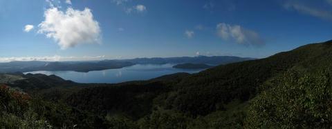 ハイランド小清水725から屈斜路湖パノラマ