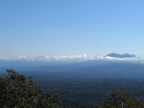 ハイランド小清水725から斜里岳と知床連山を望む