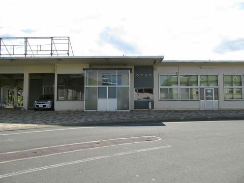 JR留辺蘂駅舎