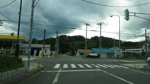 道道592号湯里生田原停車場線・国道242号交差点