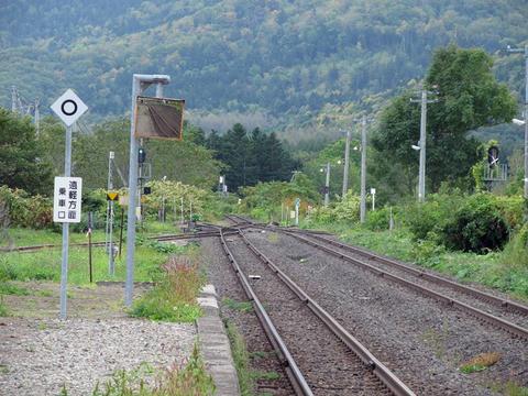 瀬戸瀬駅から遠軽方面を望む