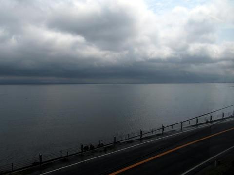 指宿枕崎線から望む錦江湾