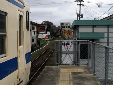 枕崎駅ホームより鹿児島中央方面を望む