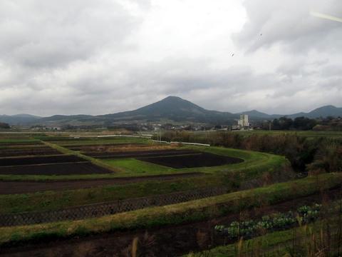 指宿枕崎線から望む開聞岳