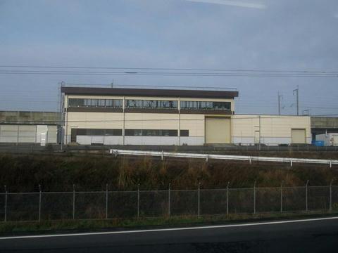 肥薩おれんじ鉄道から望む九州新幹線の保線基地