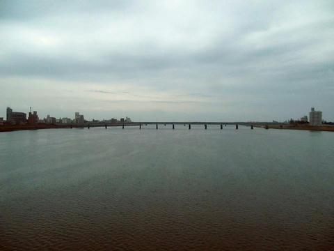 日豊本線車内から見た大淀川