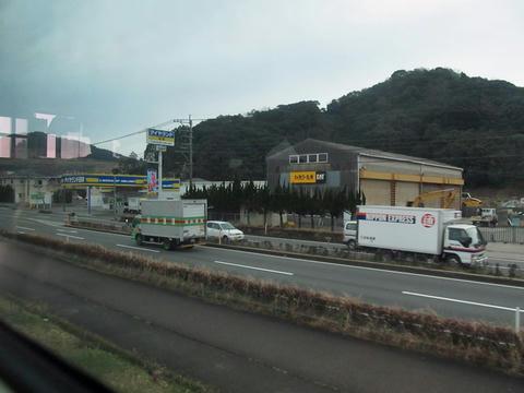 日豊本線車内から見た国道10号