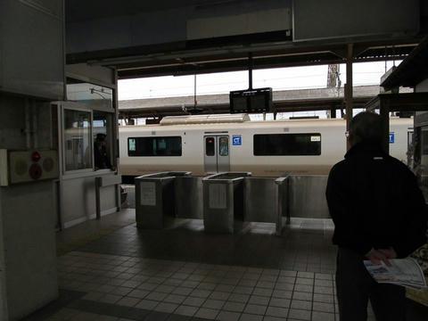 延岡駅改札口