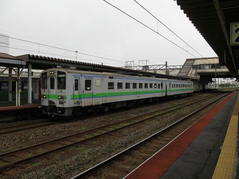 キハ143-104+154@苫小牧駅