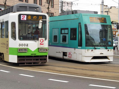 函館市電3002・9602号車@函館駅前