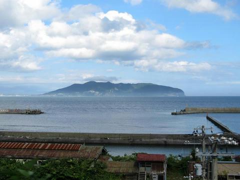 道南いさりび鉄道から見た函館山