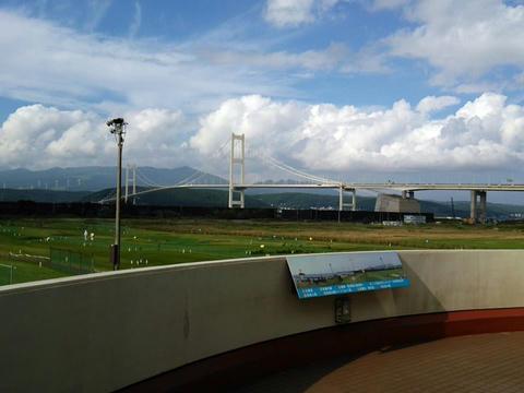 道の駅みたら室蘭から見た白鳥大橋
