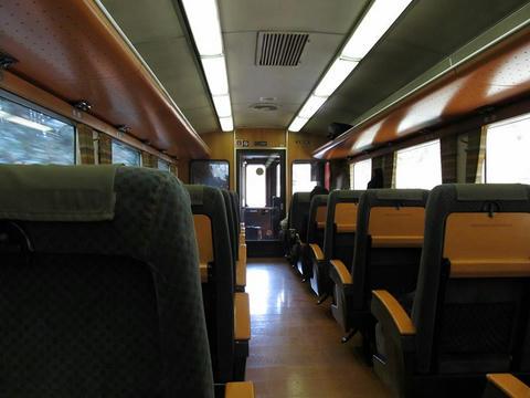 キハ185-1001車内