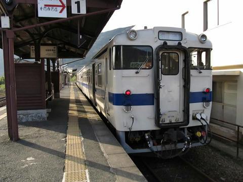 キハ147 182@立野駅