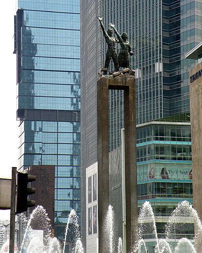 ジャカルタ 歓迎の像
