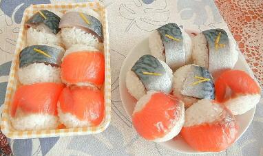 さばとサーモンの手まり寿司