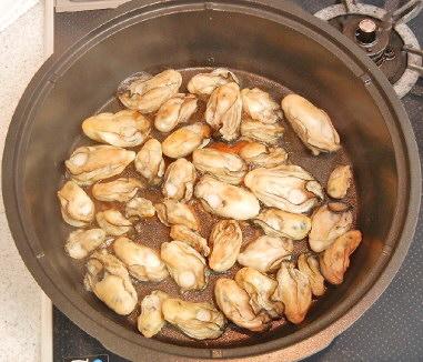 牡蠣のオイル漬け 作成中
