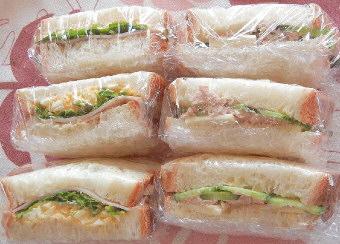 ホームベーカリーの食パンでサンドイッチ