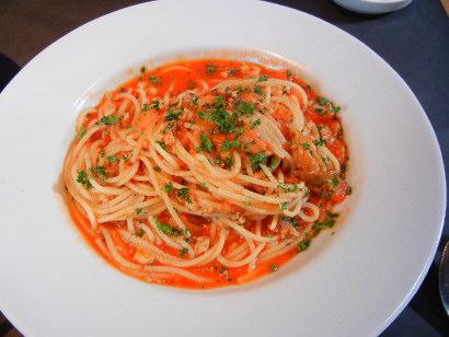 炙りウニのトマトソースのパスタ