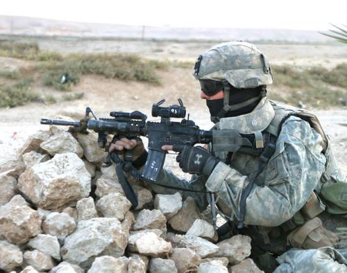 US-Army-soldier-handling-M4.jpg