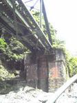 保津川下り(鉄橋の下)
