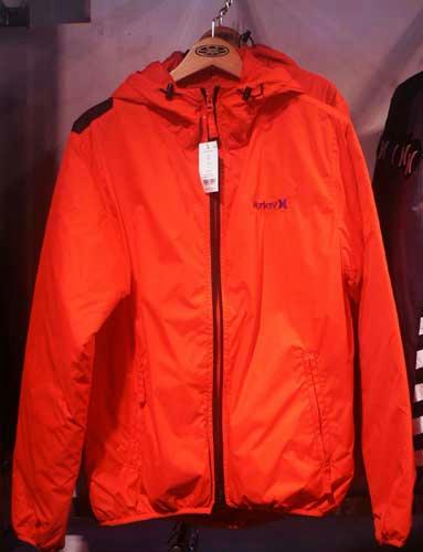 真っ赤なジャケット