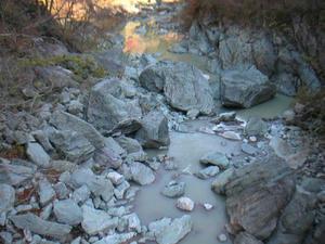 画像:三波石峡 叢石橋から撮影