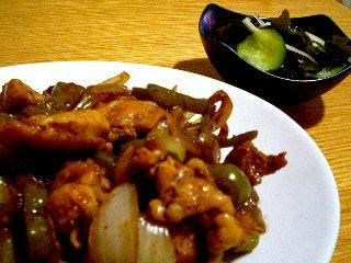 鶏肉と野菜のバルサミコ炒め&玉ねぎ入り酢の物♪