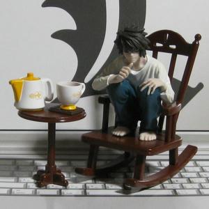 私の椅子です♪
