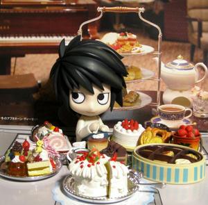 お菓子に囲まれて幸せです♪
