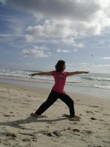 beach_yoga01