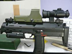 マルイコン電MP7A1とプロドットサイトCRUX