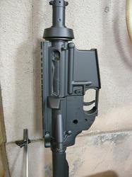 トイスターM4をブラックスチールで塗装