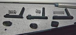 M4マガジンキャッチ