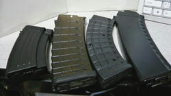 GYF AK47パラトルーパーのマガジンと他のAKマグ