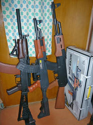 GYF AK47パラトルーパーと愉快な仲間たち