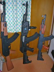 CYMA AK47タクティカルと愉快な仲間たち