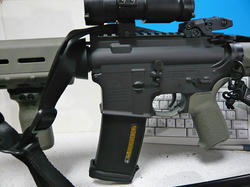 マルイスタンダード電動M4A1カービンとMAGPUL PTS E-MAG