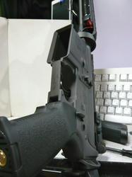 マルイスタンダード電動M4にマグプルMIADグリップキットレプリカ