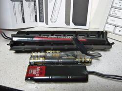 Magpul PTS MOEハンドガードMid Lengthへのバッテリー適合