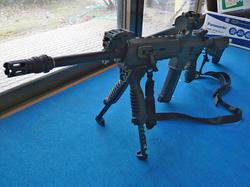 マルイM4とFAB Defenseタイプグリップバイポッド