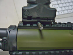 GPS02タイプグリップバイポッドとGold ArrowsM14