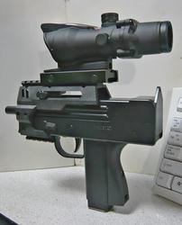 マルゼンイングラムM11とACOG TA31レプリカ