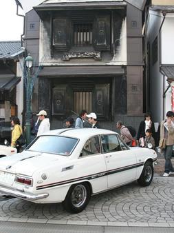 「昭和のクルマ」に観客2万人-年齢を超えて時代を共有