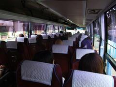 日本人は後ろの席に座らせられました