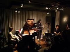 ピアノトリオ編成でも演奏!