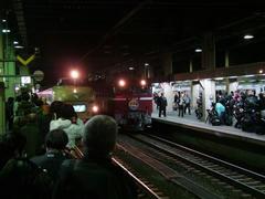 金沢駅発の両列車は、いつも並んで停車していました