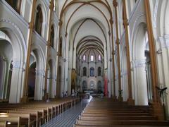 教会内は、静かな雰囲気です